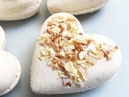 Jasmine Bath Bombs Heart Zoom