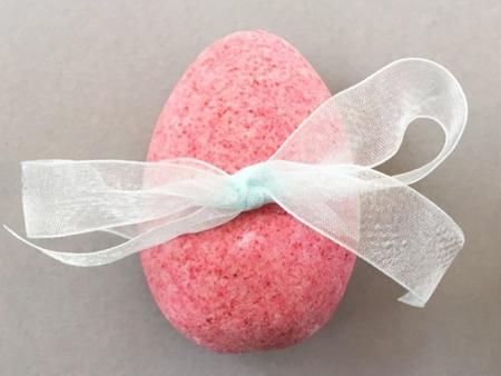Magnolia Easter Egg Bath Bomb