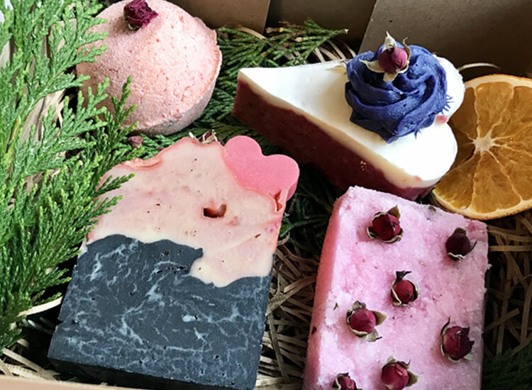 Rose and Magnolia Soap Gift Set - Zoom