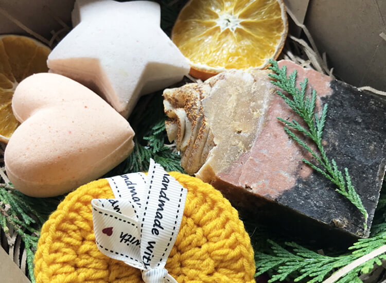 Winter Spice Christmas Soap Gift Set - Zoom